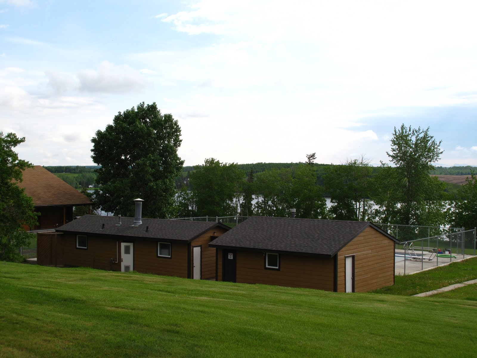 pine lake single guys Pine portage lodge - kaby lake lodging this two bedroom one bath cottage is nice for couples or four men each bedroom has a queen and single bed with.